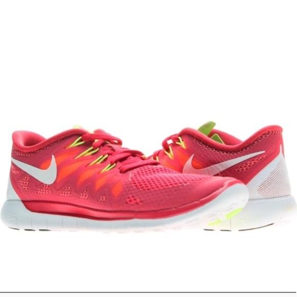 check out 3e6d8 49312 Women s Nike Free 5.0. M 5ae38b95739d48b54c6ef955